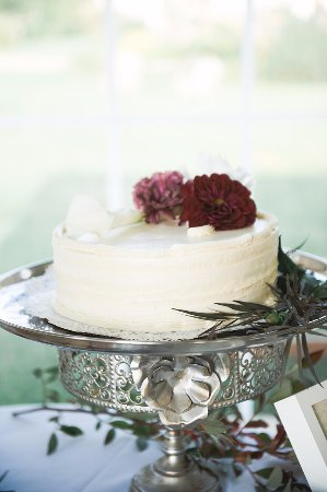 Otter Creek Bakery : Flourless chocolate cake with praline filling and vanilla buttercream frosting