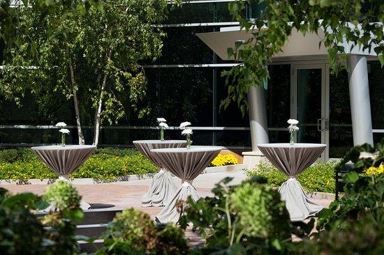 Edina, MN: Courtyard