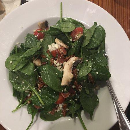 29 Palms Inn : Spinach salad