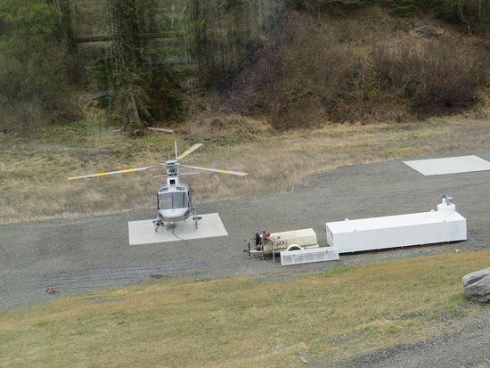 Palmer, AK: Helicopter on pad