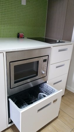 Bon Abode Gungahlin: Kitchenette Appliances   Dishwasher Included.