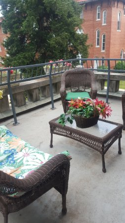 The Mansion at Elfindale Bed & Breakfast: Our private balcony