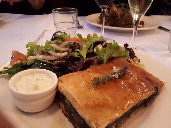 Estia Cafe Restaurant: Spanakopita - delicious