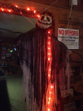 Welches, Oregón: Love the Halloween decorations!  There's going to be a DJ & costume contest the weekend before t