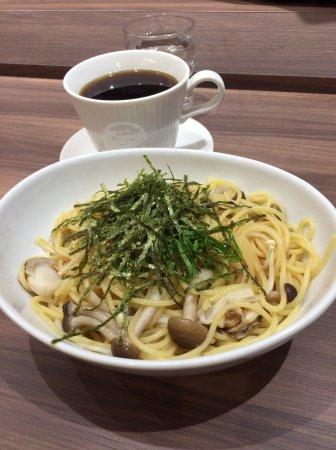 カフェ・ド・クリエ 札幌オーロラタウン, 帆立ときのこのバター醤油