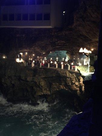Ristorante grotta palazzese polignano a mare ristorante for Grotta palazzese restaurant menu
