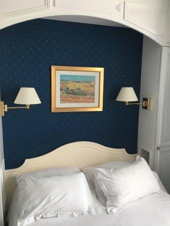 GOLDEN HOTEL PARIS