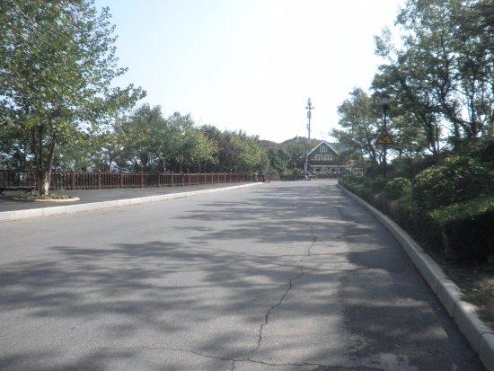 Haizhiyun Park: これも下りに見えると思います、先の写真が目の錯覚です。
