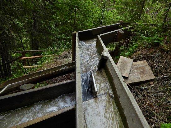 Solden, Austria: Waalwege Anlage - Staumöglichkeiten für die Kinder
