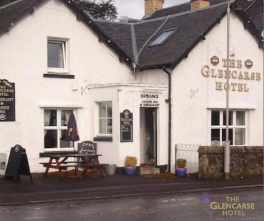 Glencarse, UK: Just off A90 between Perth and Dundee