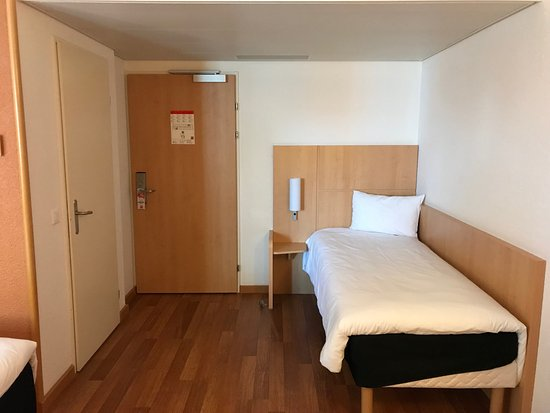 ibis Zurich City West: Third bed