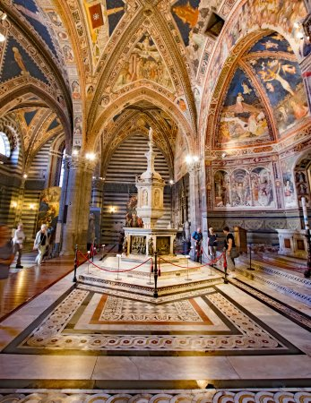 Baptistery of San Giovanni (Battistero) : Beautiful interior