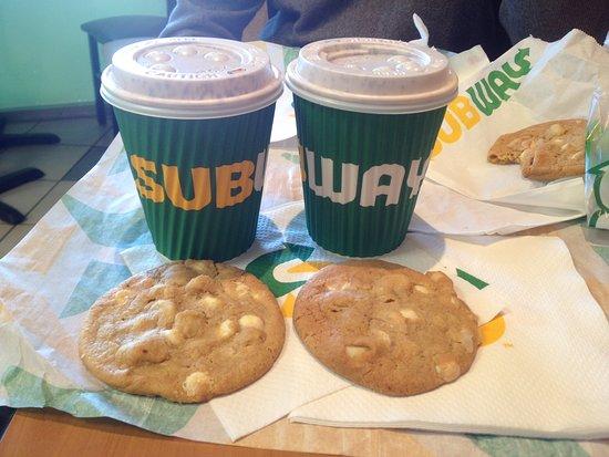 Long Jetty, Австралия: Great coffee and macadamia cookies