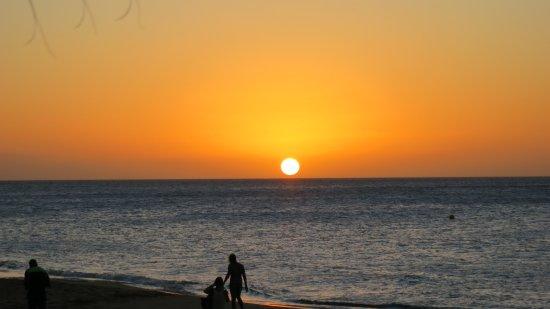 Deshaies, Guadeloupe: Sonnenuntergang im Frühjahr