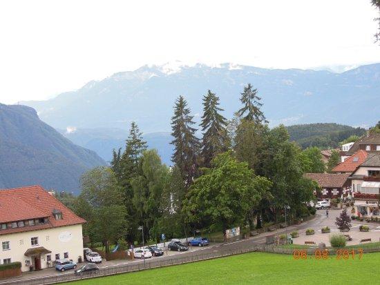 Soprabolzano, Italië: View from the terrace