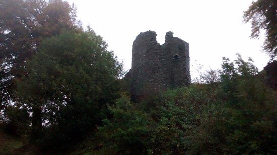 Kendal castle outside view