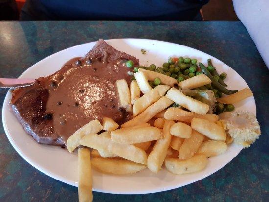Warwick, Australia: Steak, Chips & Veg Pepper Gravy, all Gluten Free