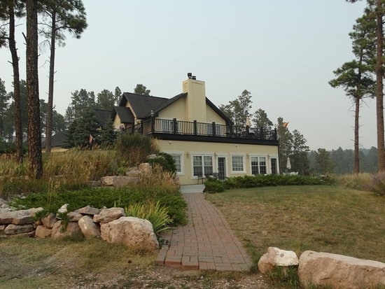 Peregrine Pointe Bed and Breakfast: Front of B&B