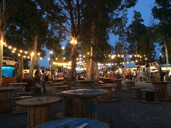 Gualta, Hiszpania: A la nuit, ambiance…