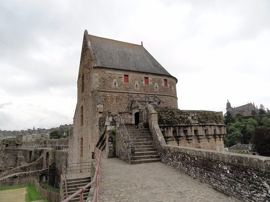 Fougeres, Γαλλία: Tour