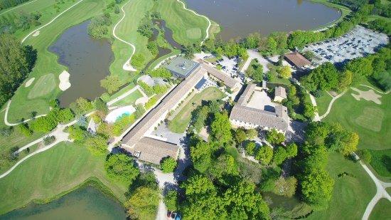 Monthieux, Frankreich: plan aérien du Domaine