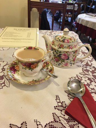 Budleigh Salterton, UK: Prince Albert cups and saucers