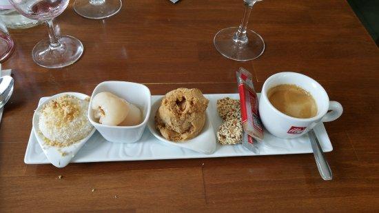 Meaux, Francia: Café gourmand !! Miam