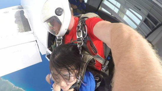 Barrigada, Mariany: 飛び降りる瞬間