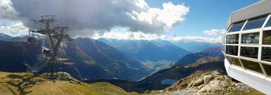 Bettmeralp, Schweiz: la vue avec le restaurant à droite