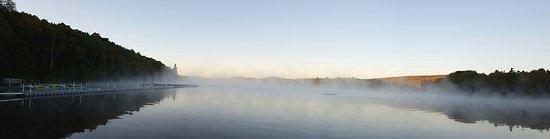 Saint-Alexis-des-Monts, Canada: Depuis la plage le matin
