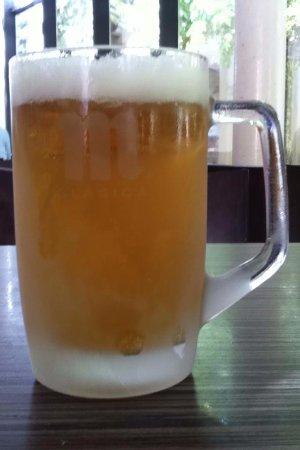 Trillo, Espanha: Jarra de cerveza