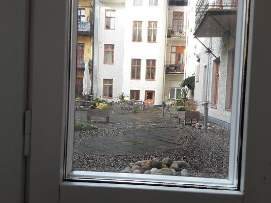 First Hotel Orebro: Uteplats på innergård