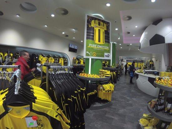 Signal Iduna Park: Loja do Dortmund - uma entre muitas