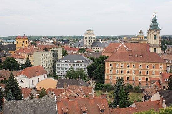 Eger, Magyarország: 從城堡眺望城鎮