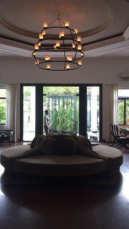 White Mansion: photo4.jpg