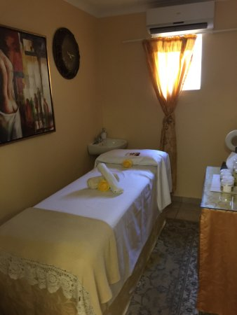 Paulpietersburg, South Africa: Lavita Spa is so amazing, it's calming and the staff is friendly but the massage rooms are too c