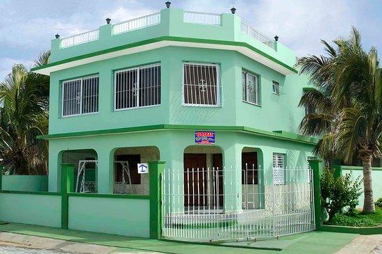 Boca de Camarioca, Cuba: Portada Hostal El Retiro