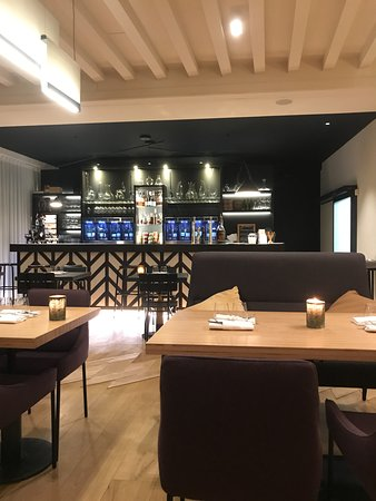 Morey St Denis, Francja: Restaurant Castel de Tres Girard