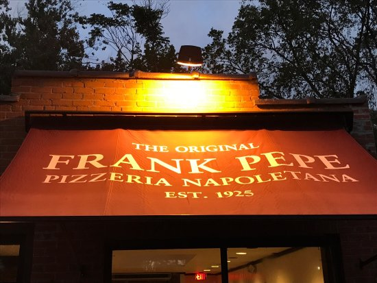 Frank Pepe Pizzeria Napoletana: photo0.jpg