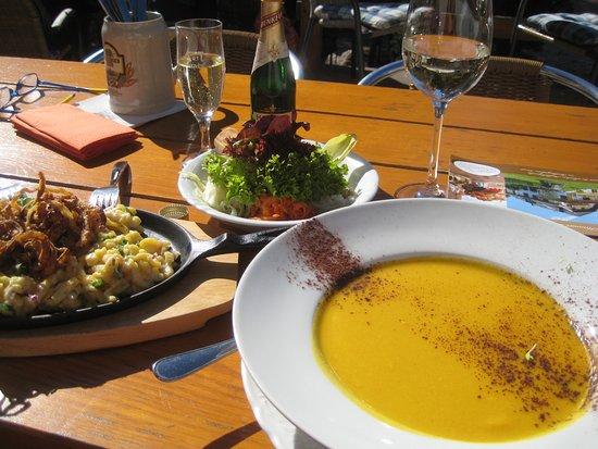 Ainring, Deutschland: kürbiscreme suppe + die kasnockn