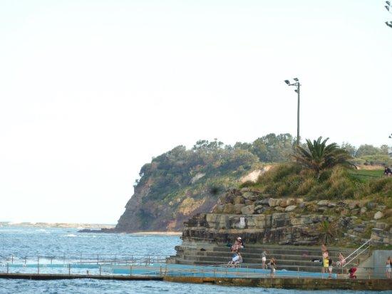 Collaroy Beach, Австралия: 崖っぷち観光は自己責任で・・・