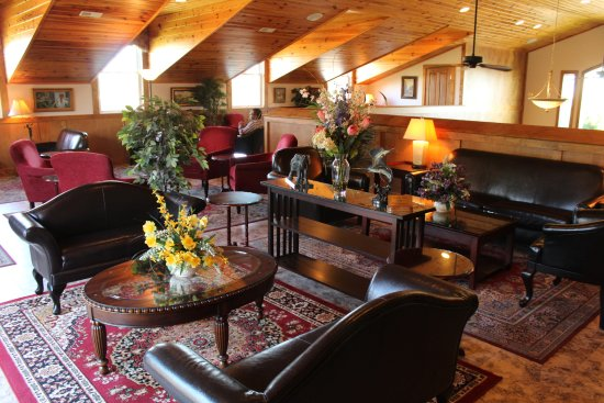 Gray Ghost Winery: upstairs lounge