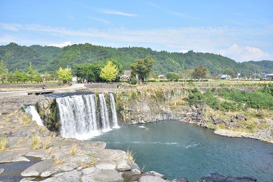 Harajiri no taki: 原尻の滝:道の駅反対側から
