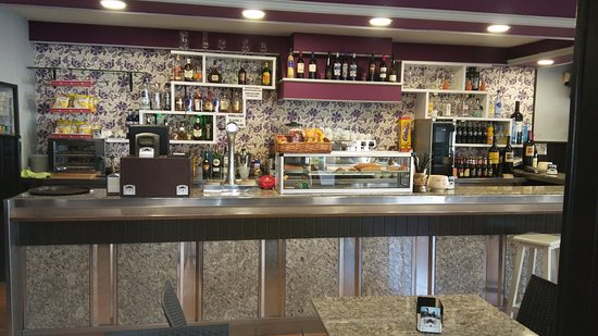 Tui, España: Nuevo local