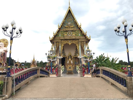 Wat Plai Laem: photo4.jpg