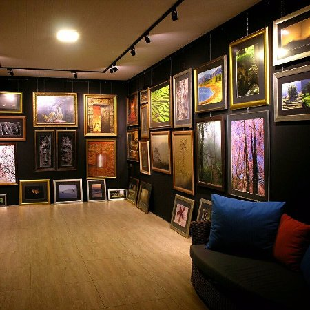Aniwat Gallery