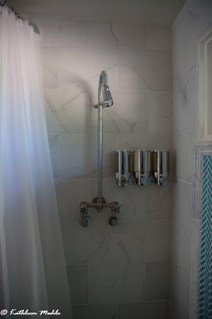 Philo, CA: Shower