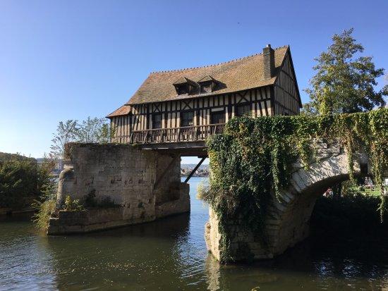 Le Vieux Moulin de Vernon: Vernon - le moulin