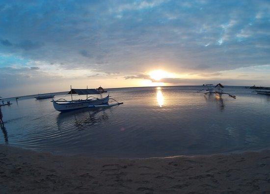 Burot Beach: sunset