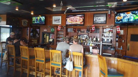 Woodstock, Canada: Interior of The Pub